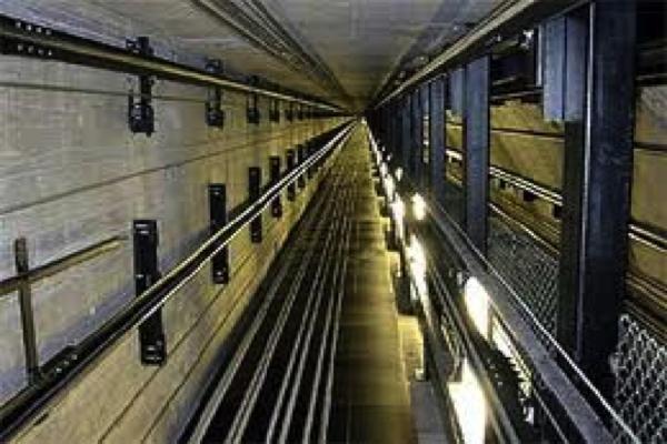 При обрыве лифта на северо-западе Москвы погибли пять человек