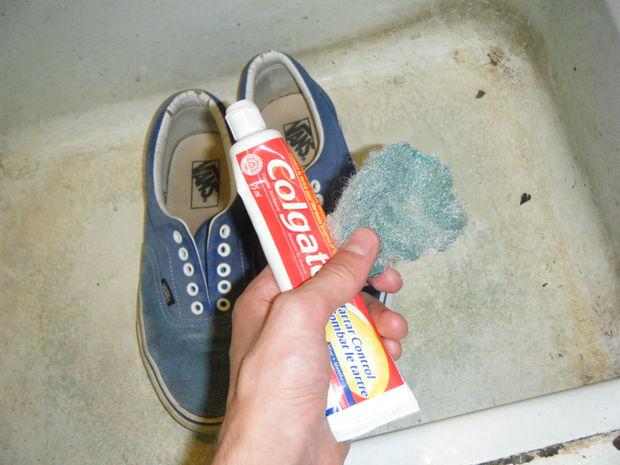Как отбелить обувь в домашних условиях