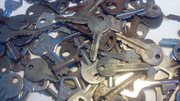 Делаем ключницу из ключей
