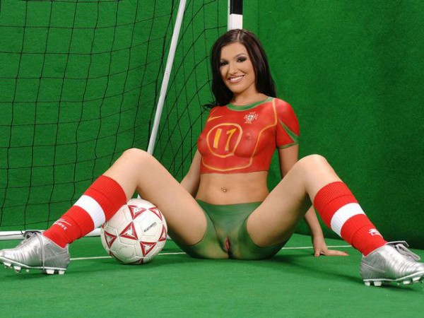 порно бодиарт футбол