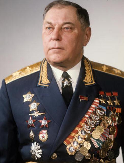 Сегодня день рождения Покрышкина Александра Ивановича