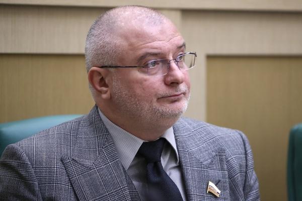 Клишас заявил, что данные об отрицательном отношении россиян к его законам не производят впечатления