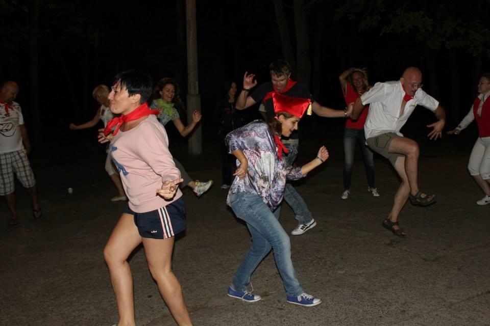 Звериные танцы в лагере сценарий