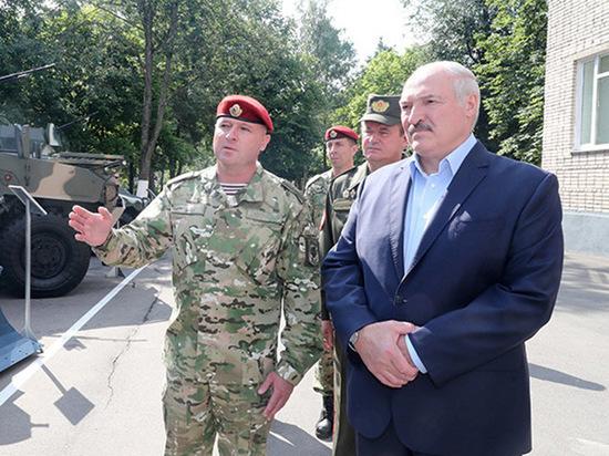 <<Последний диктатор на грани краха>>:западные СМИ оценили положение Лукашенко