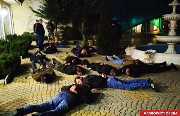 Помощника постпреда Чечни в Крыму по подозрению в вымогательстве задержала полиция