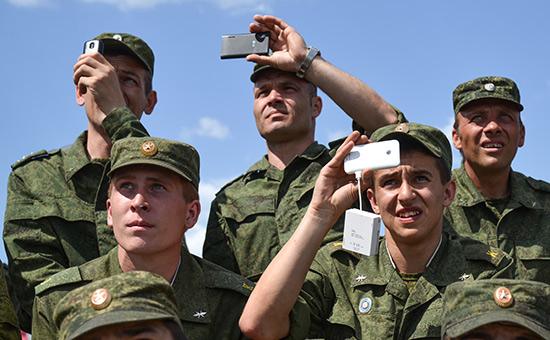 Минобороны порекомендовало военным отказаться от «ВКонтакте», Фейсбука и других соцсетей