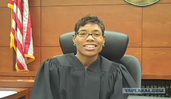 Судья-гомосексуалист из Техаса отказывается