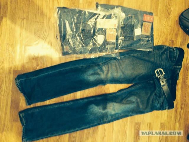 Куртка и джинсы Levi's  новые