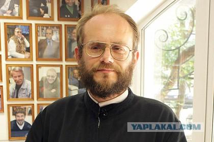 Диакон Василик обещал хулителям Путина место у параши