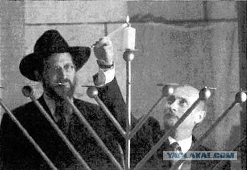 """Главный раввин Берл Лазар призвал перезахоронить """"заливших Россию кровью"""" Ленина и Сталина"""