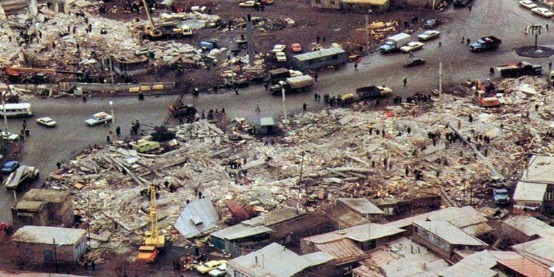 Разрушительное землетрясение в Армении - ЯПлакалъ: http://www.yaplakal.com/forum2/topic1263900.html