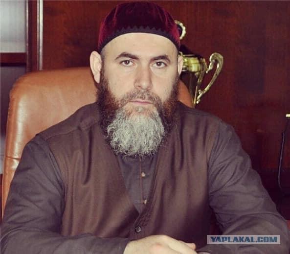 Муфтий Чечни считает врагами всех французов, которые поддерживают Макрона