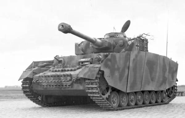 Зачем на немецкие танки вешали стальные листы?