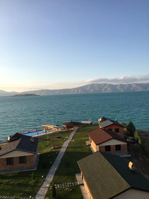 Бари галуст! Добро пожаловать в Армению