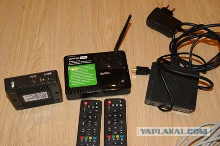 2 Тв приставки, Wi-Fi роутер и 2 кабеля патч корда
