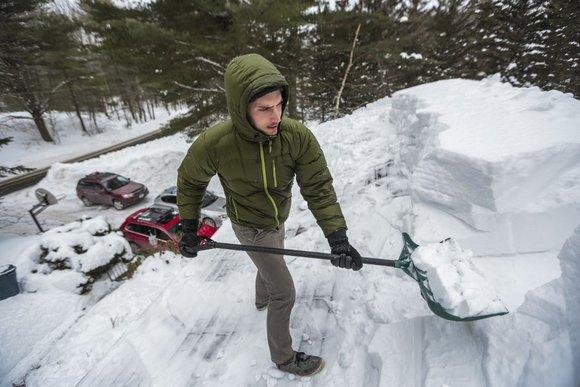 Американец за четыре дня заработал на уборке снега 35 тысяч долларов