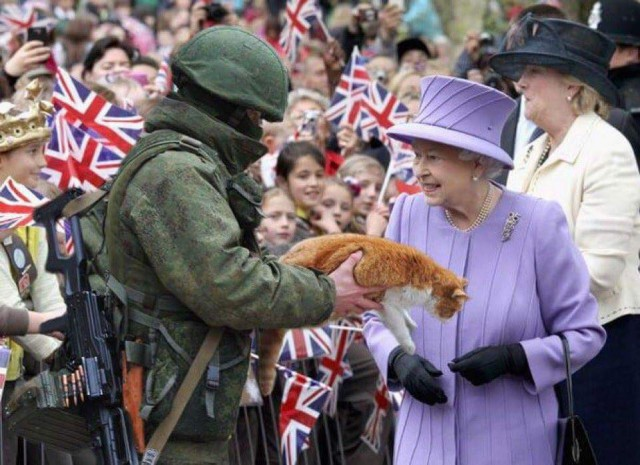 Королева Англиии снова жжёт