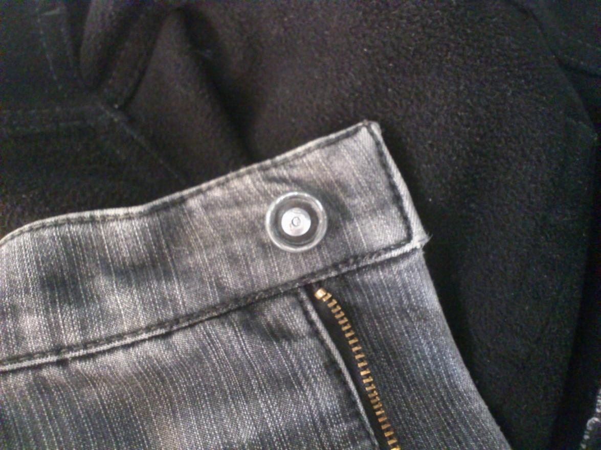 Ремонт пуговицы на джинсах своими руками