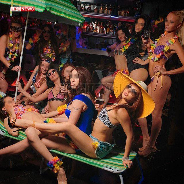 Полиция накрыла элитный бордель с девушками