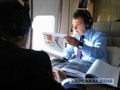 Медведев решил передвигаться по Москве на вертолет