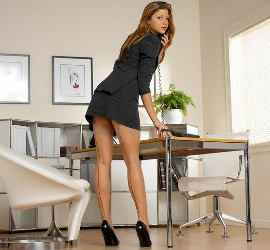 Фото секретарша в офисе