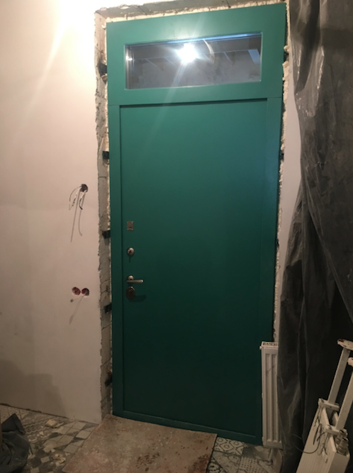 металлическая дверь цвет белый