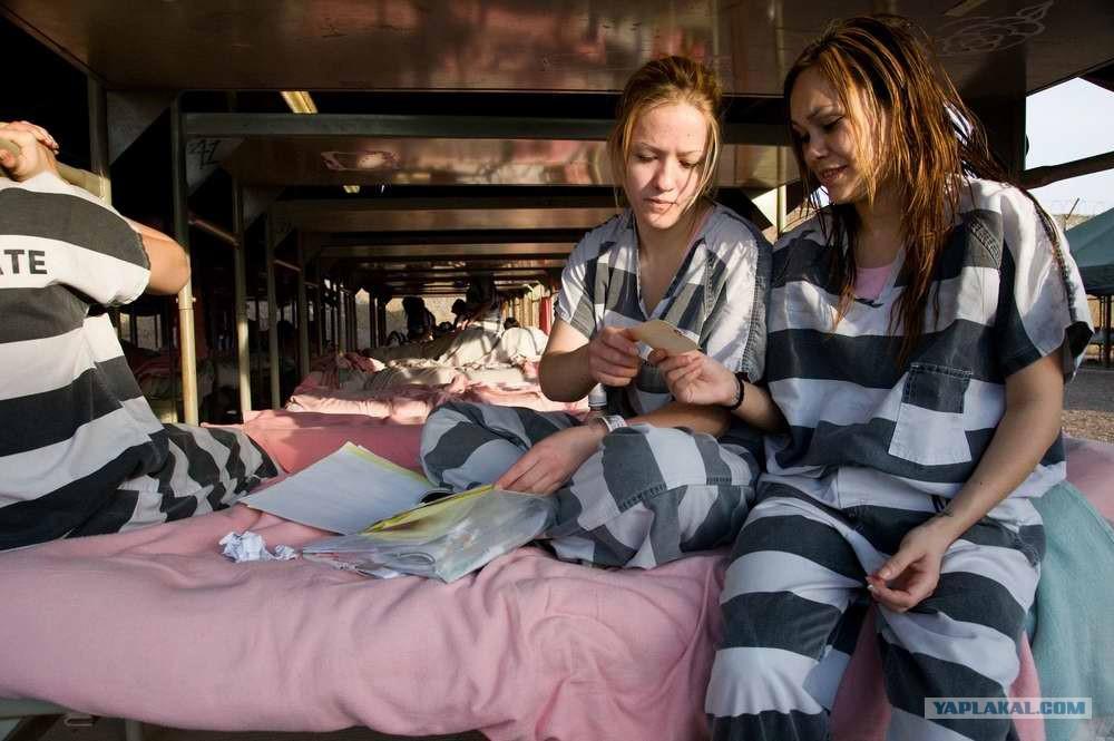 Досмотр женской тюрьме фото 733-575