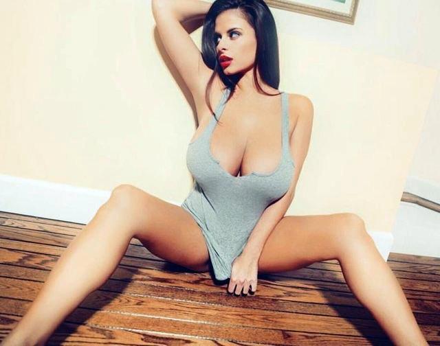 Фото девушек с натуральной голой грудью теме!!!