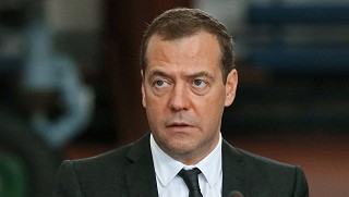 Медведеву подарили в Израиле беспилотник без пульта