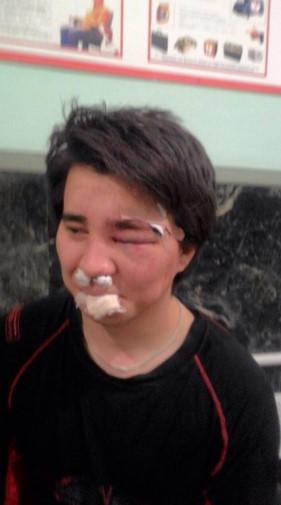 На Урале сын и внук имама избили парня на хоккейной тренировке