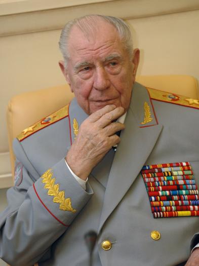 Последний маршал Советского Союза срочно госпитализирован в Москве