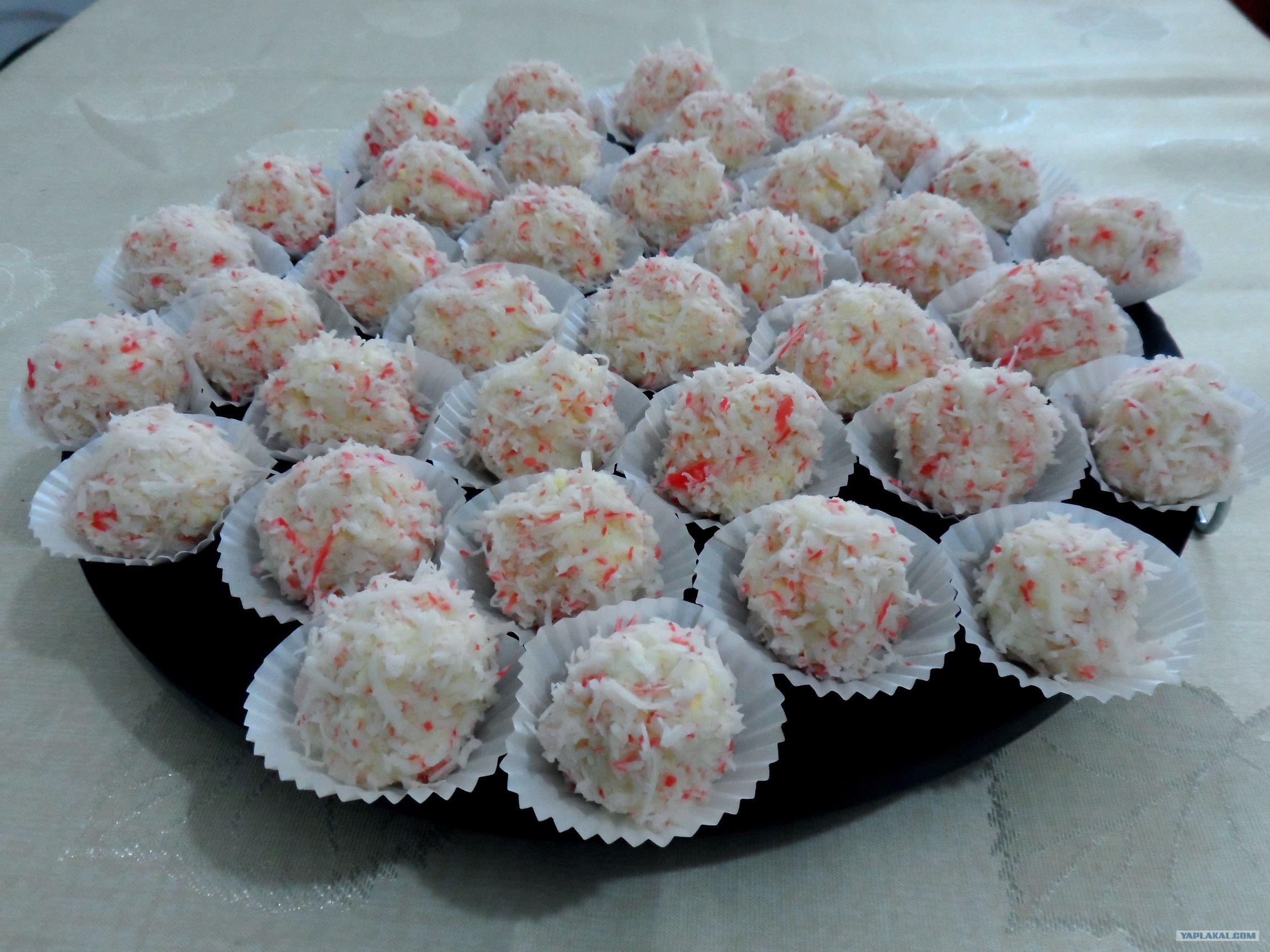 Рафаэлло из крабовых палочек в домашних условиях рецепт пошагово
