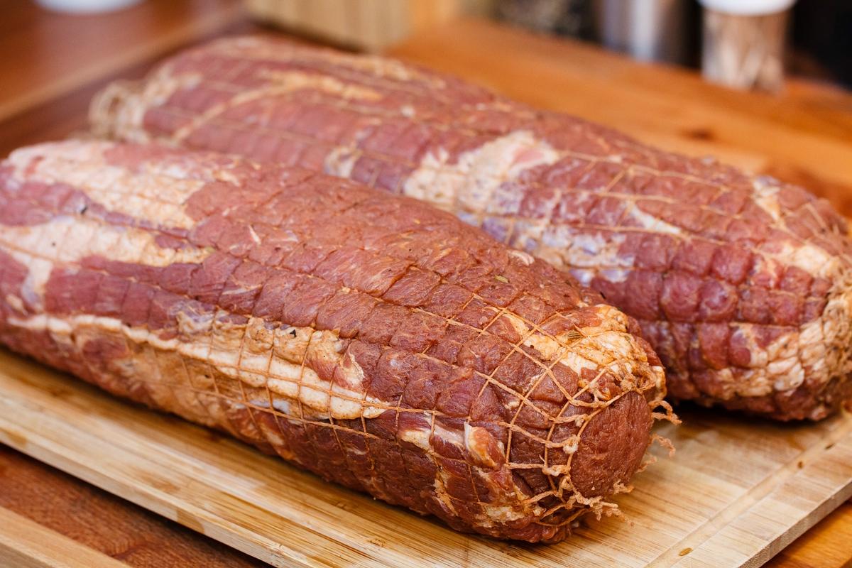 Как сделать прессованное мясо из свиной головы  954