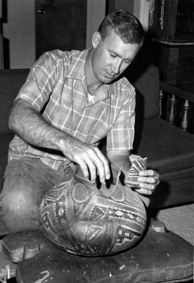 Американец нашел в горах клад стоимостью $1 млн. Путь к нему был зашифрован в стихах ветерана Вьетнамской войны