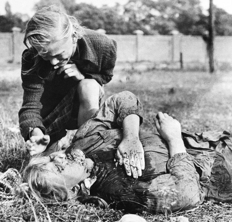 Полярный фото детей убитых немцами девушка входит