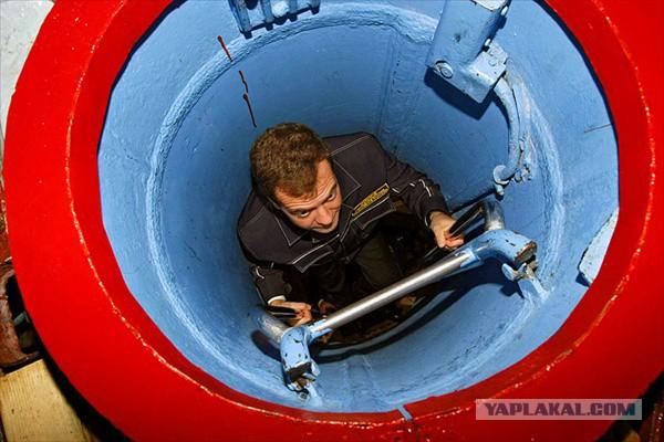 деваться с подводной лодки