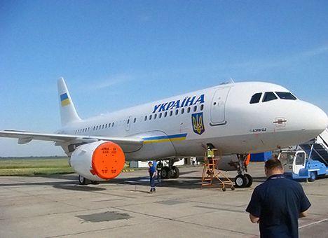 Янукович обзавелся самолетом из золота и мрамора
