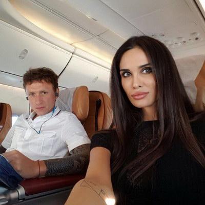 Жена Павла Мамаева Алана подала заявление на развод