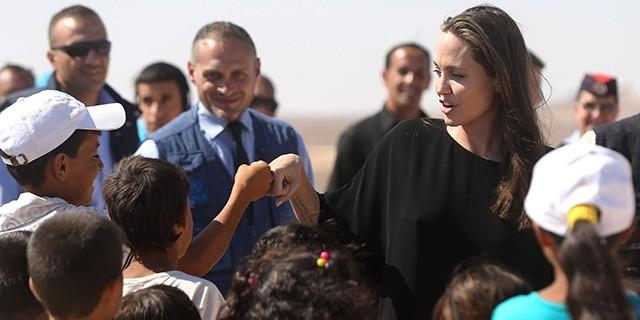 Анжелина Джоли спровоцировала скандал