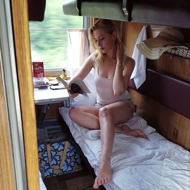 Занялись сексом в поезде видео разделяю