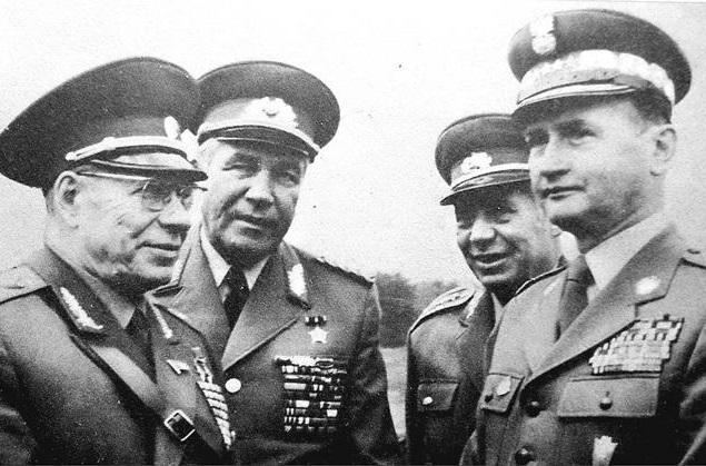 Самая удачная операция ЦРУ: Кто отравил министра обороны СССР и еще трех стран