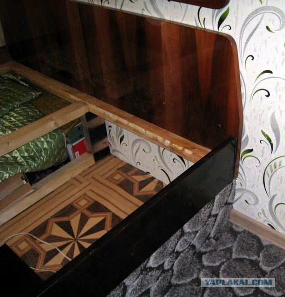 Встроенная стационарная мебель (домик в деревне)