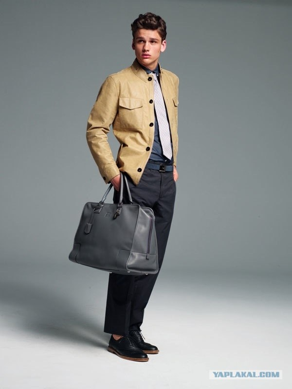 Мужские сумки В арсенале мужчин не так многоаксессуаров, поэтому к...