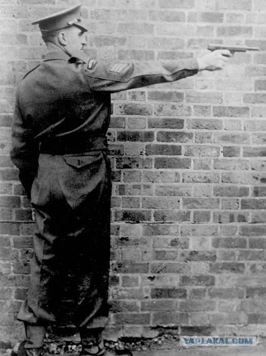 Пистолет-пулемет Рассела, model 11.