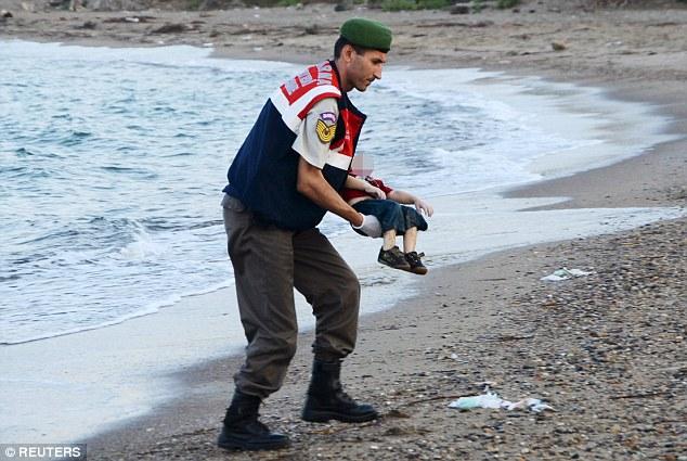 Погибший мальчик-беженец