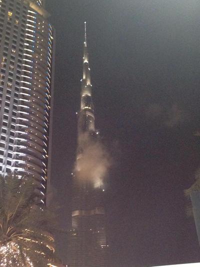 Горит Бурдж Халифа - самое высокое здание Дубая