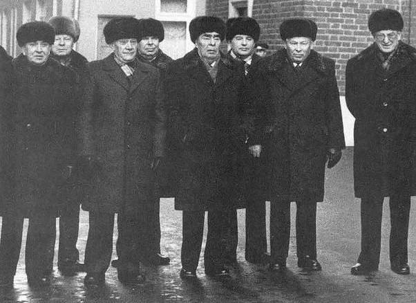 Политбюро ЦК КПСС при Леониде Ильиче Брежневе.