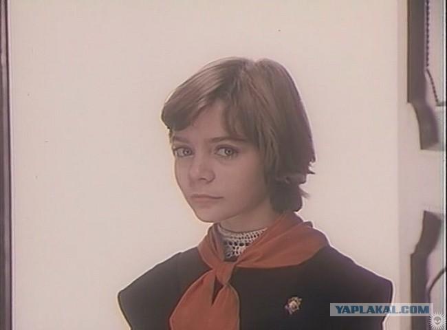 Сегодня день рождения у гостьи из будущего, всея СССР, Алисы Селезнёвой!
