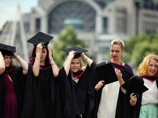 Проект «Пора домой» от Россотрудничества: студентов зовут поменять «недружественную» Британию на Дальний Восток