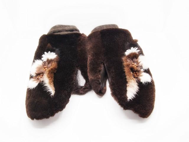 Новый Год близко! Меховые рукавички для подарка любимым!